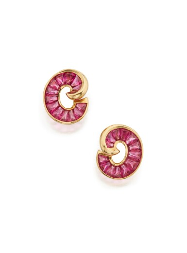 PAIR OF GOLD AND RUBELLITE EARCLIPS, VERDURA
