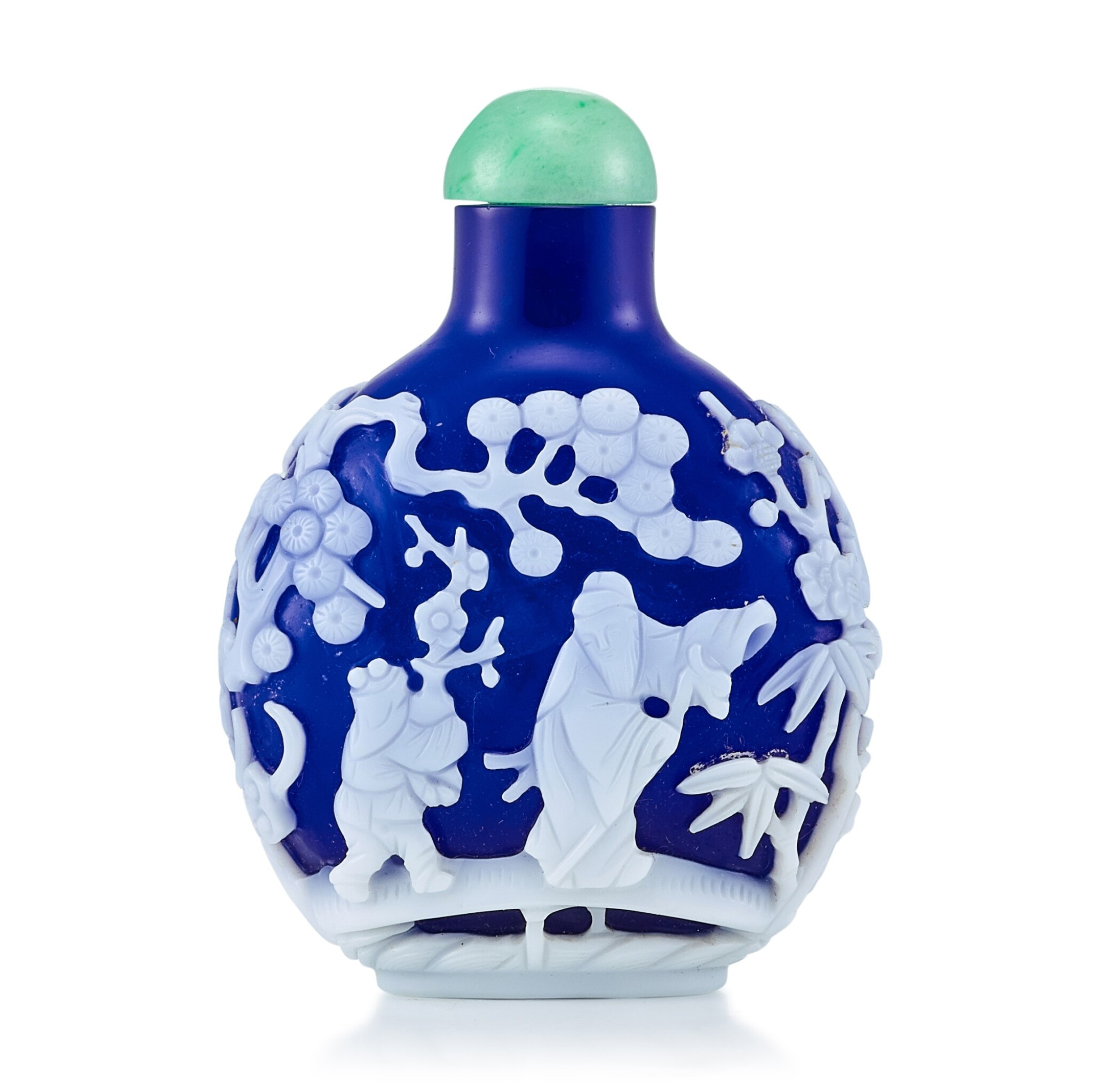 View full screen - View 1 of Lot 3009. A White Overlay Cobalt-Blue Glass 'Scholar in a Pavilion' Snuff Bottle Qing Dynasty, 18th - 19th Century | 清十八至十九世紀 藍地套白料高士圖鼻煙壺.