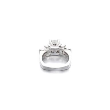 View 3. Thumbnail of Lot 1168. Diamond ring.