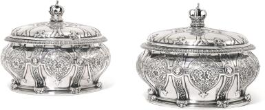 ROYAL. A PAIR OF VICTORIAN SILVER CAVIAR SERVERS, LINERS AND COVERS, R. & S. GARRARD & CO., LONDON, 1862