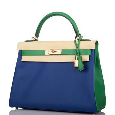View 4. Thumbnail of Lot 13. HERMÈS | HORSESHOE STAMP (HSS) TRI-COLOR BLEU ELECTRIC, BAMBOO AND JAUNE POUSSIN RETOURNE KELLY 32CM OF EPSOM LEATHER WITH BRUSHED GOLD HARDWARE.