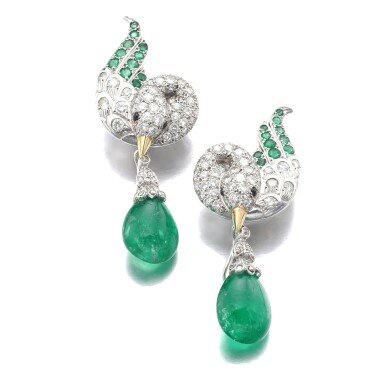 View full screen - View 1 of Lot 627. René Boivin | Pair of emerald and diamond ear clips, circa 1955 | René Boivin | 祖母綠配鑽石耳環一對,約1955年.