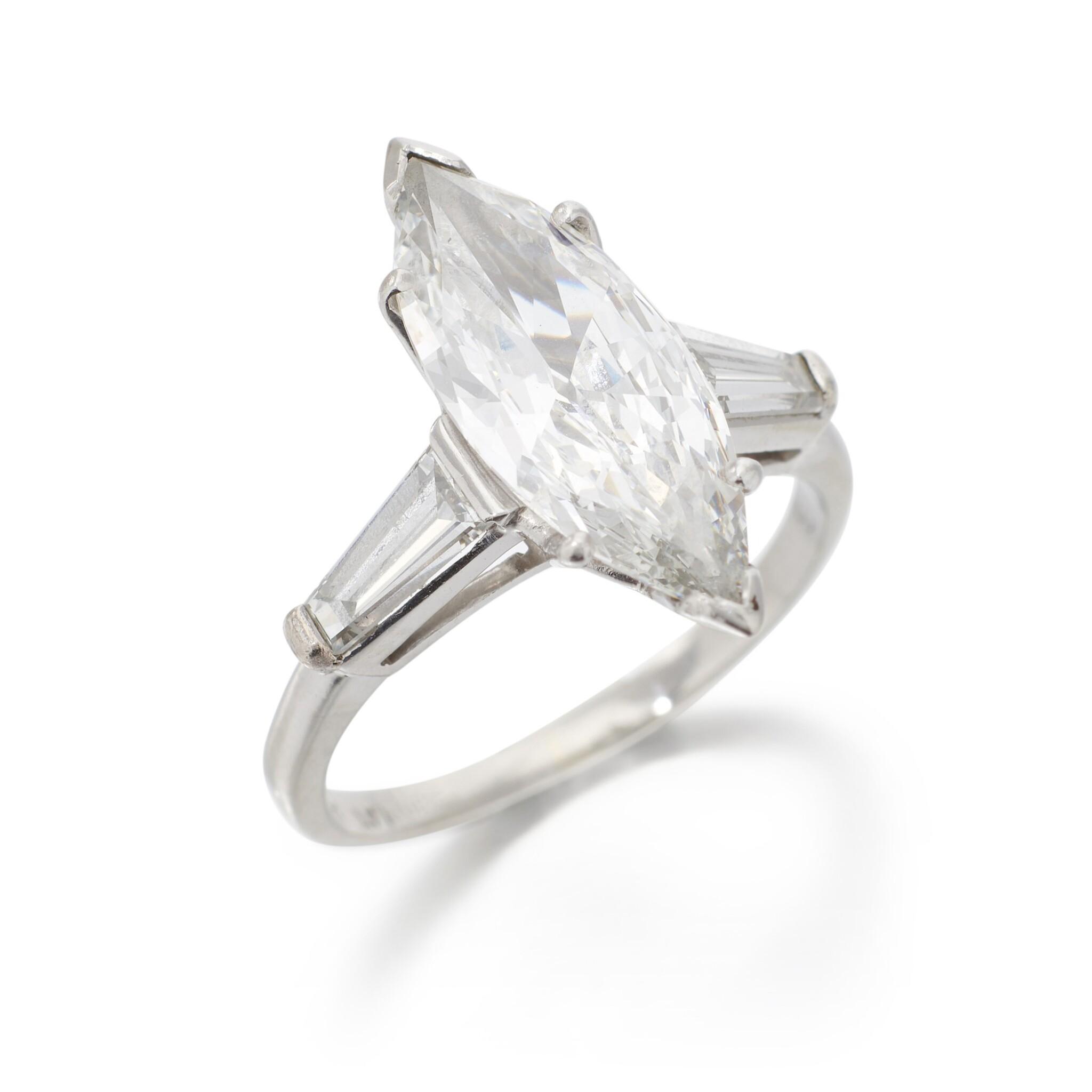 DIAMOND RING   (ANELLO IN DIAMANTI)