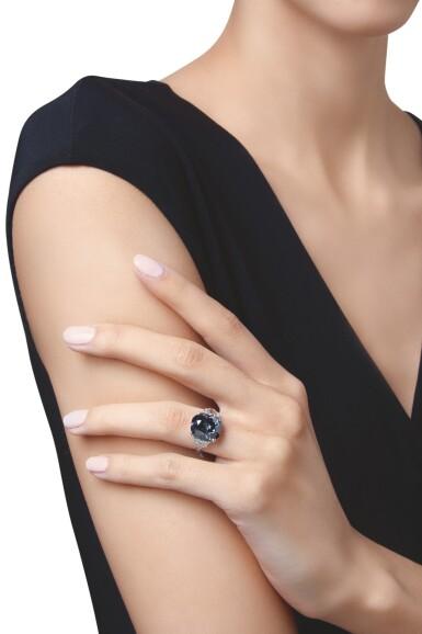 View 3. Thumbnail of Lot 500. 'THE INDIAN BLUE,' AN ENCHANTING FANCY DEEP GRAYISH BLUE DIAMOND AND DIAMOND RING | 深彩灰藍色鑽石配鑽石戒指.