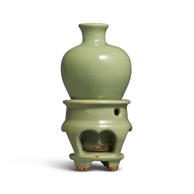 View 2. Thumbnail of Lot 192. A small celadon-glazed meiping and stand, Yuan dynasty   元 青釉小梅瓶連座.