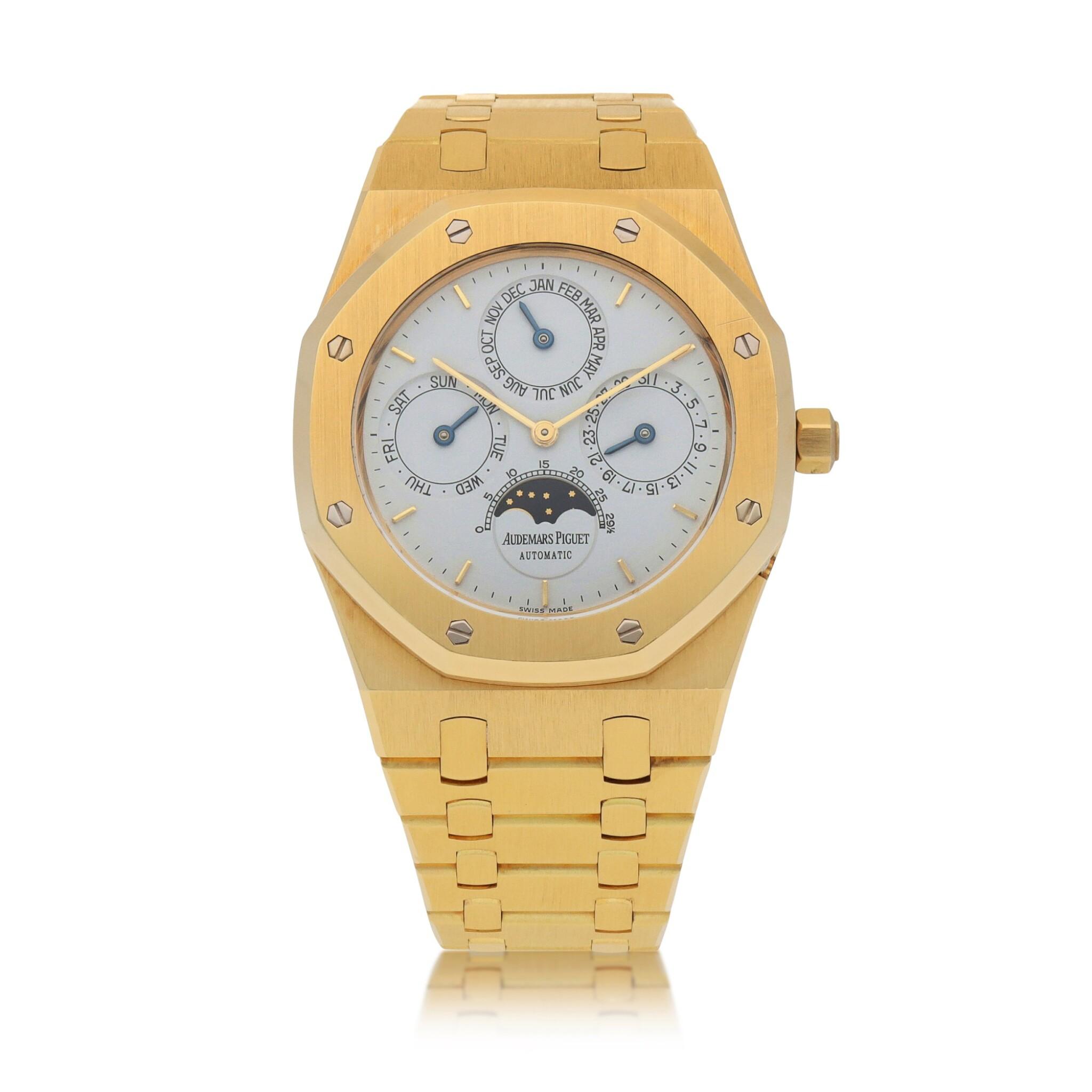 View full screen - View 1 of Lot 15. Royal Oak, Ref. 25654BA Yellow gold perpetual calendar wristwatch with moon phases and bracelet Circa 1996 | 25654BA型號「Royal Oak」黃金萬年曆鍊帶腕錶備月相顯示,年份約1996.
