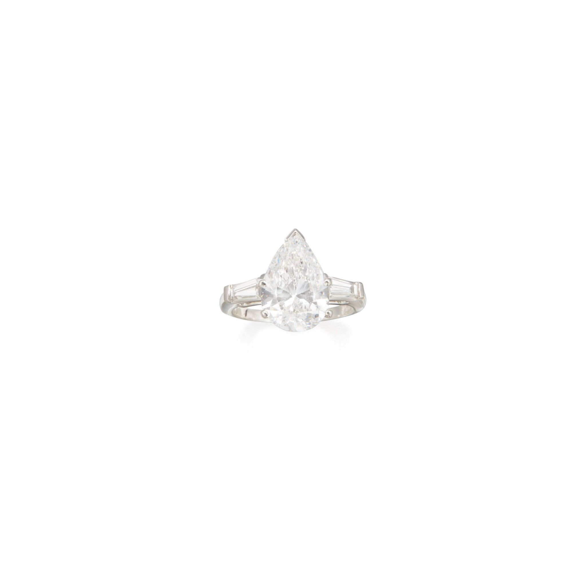 View full screen - View 1 of Lot 291. DIAMOND RING.