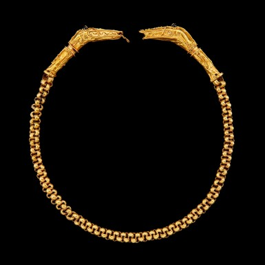 View 2. Thumbnail of Lot 1026. A gold 'snake' necklace with stone-set eyes Possibly Flores or Sumba, Indonesian archipelago, 19th century   十九世紀 印尼群島 或弗洛勒斯或松巴 蛇首金鍊.