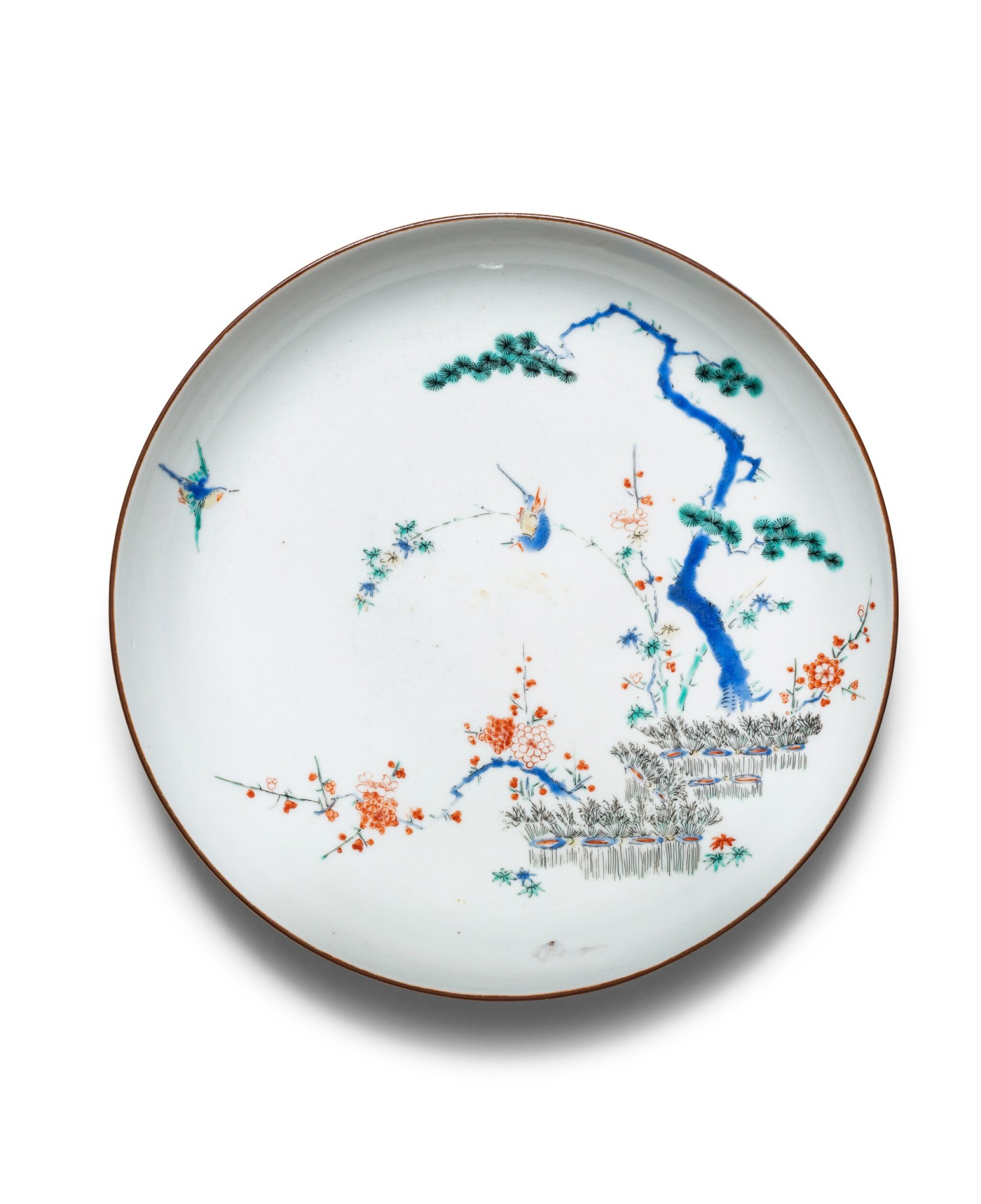 View 1 of Lot 257. Assiette en porcelaine kakiemon Japon, époque Edo, fin du XVIIE siècle | 日本 明治時期 十七世紀晚期 柿右衛門花鳥紋盤 | A kakiemon dish, Japan, Edo period, ca. 1680.