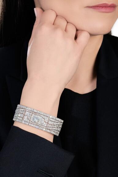 View 5. Thumbnail of Lot 602. Diamond bracelet, 1930s   鑽石手鏈, 1930年代.