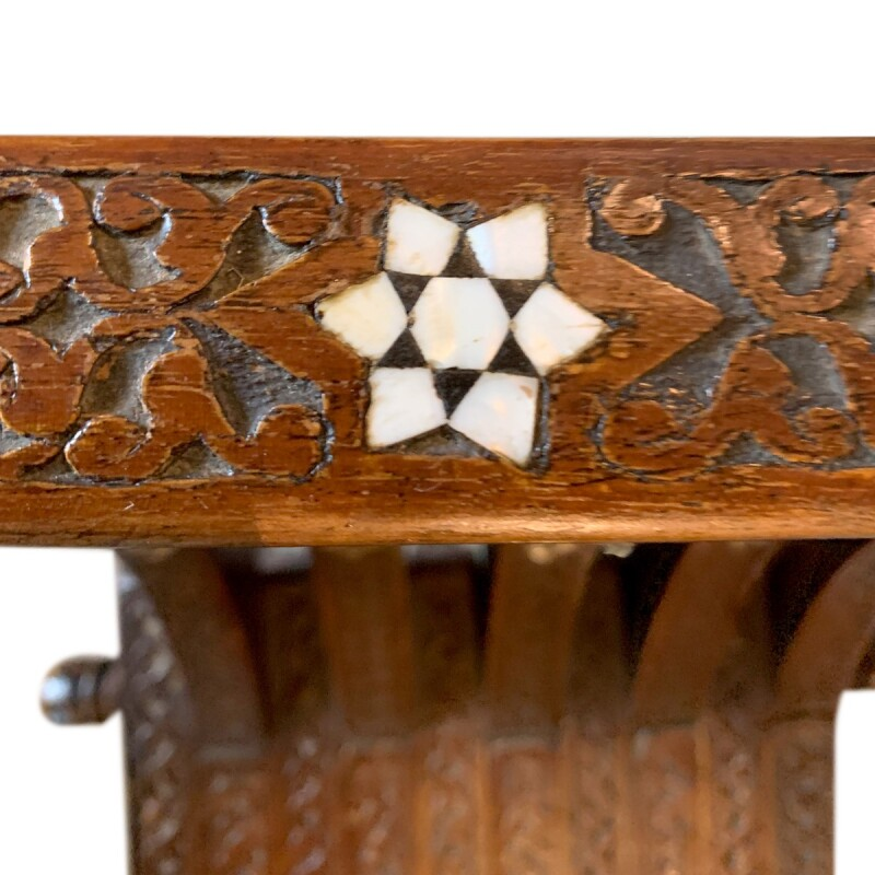 Traditional Style Savonarola Chair