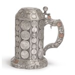 A CONTINENTAL SILVER COIN-MOUNTED TANKARD, LATE 19TH CENTURY