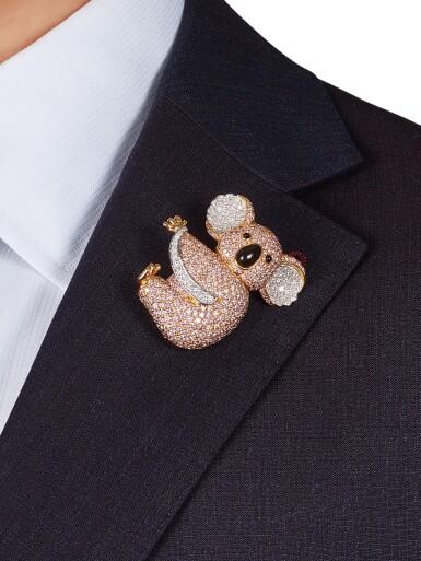 View 3. Thumbnail of Lot 1075. Coloured Diamond and Diamond Brooch | 格拉夫| 彩色鑽石 配 鑽石 胸針 (彩色鑽石及鑽石共重約19.30及3.40克拉).