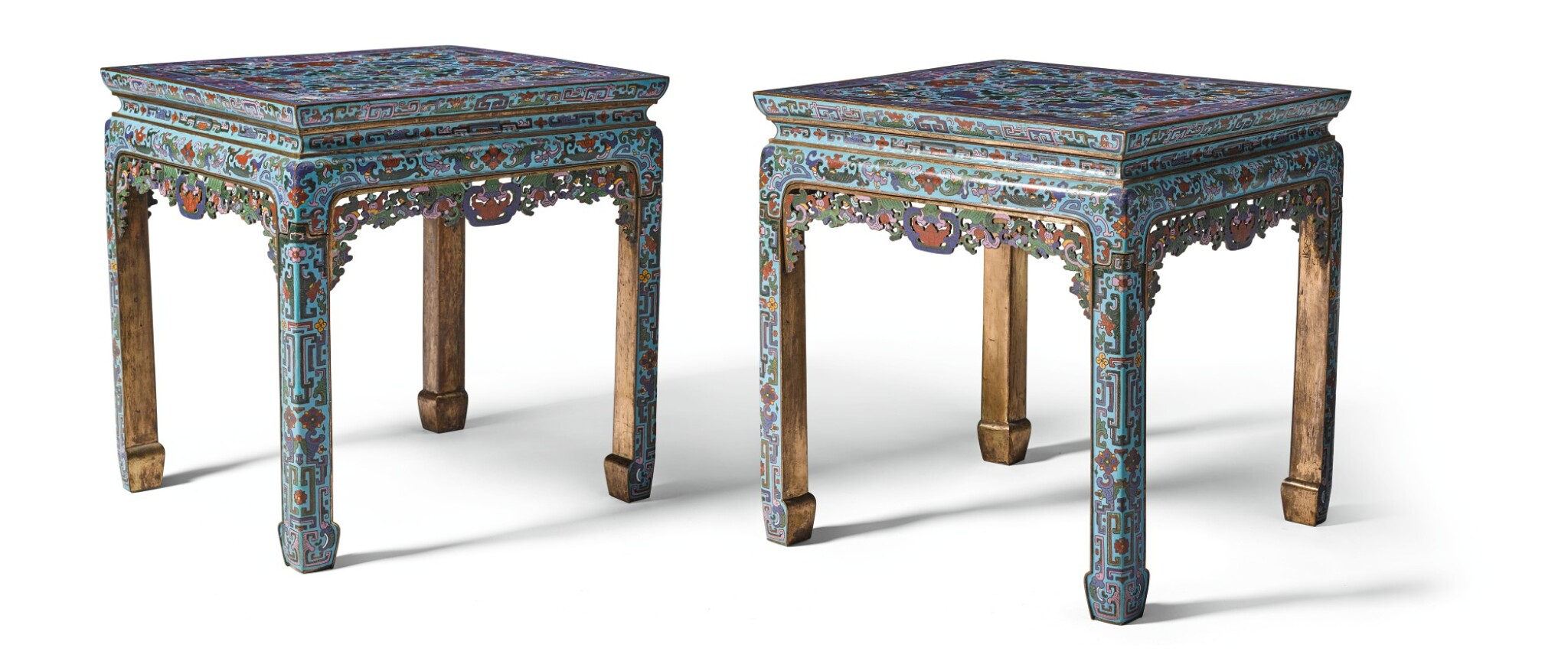 View full screen - View 1 of Lot 316. A PAIR OF CLOISONNE ENAMEL STOOLS 20TH CENTURY | 二十世紀 掐絲琺瑯瑞蝠紋方凳一對.
