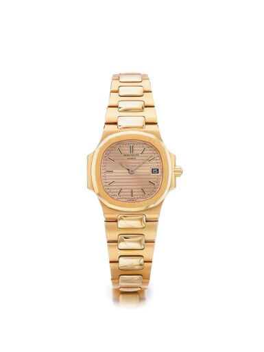 PATEK PHILIPPE | REF 4700/1 NAUTILUS,  A YELLOW GOLD BRACELET WATCH WITH DATE MADE IN 1987