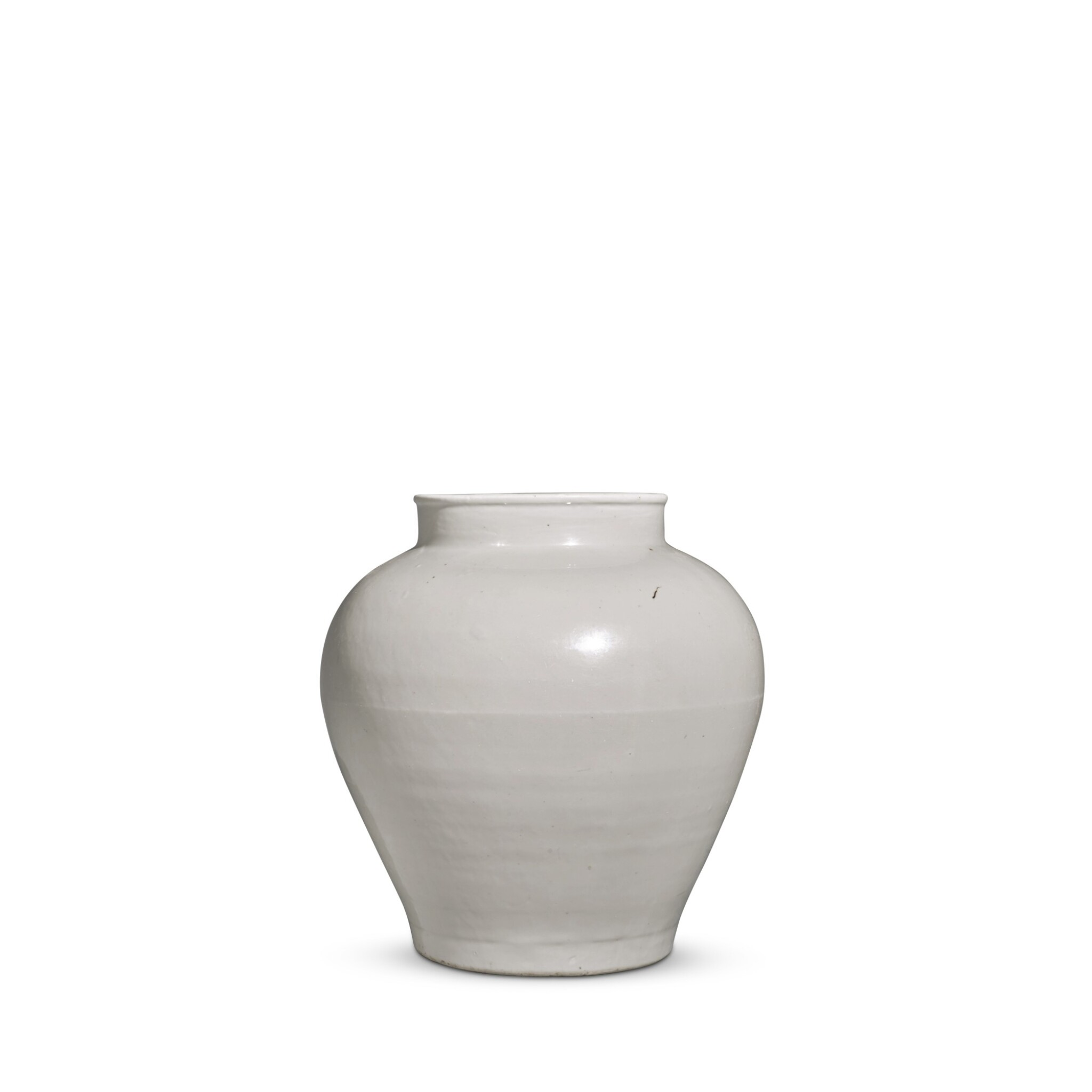 View full screen - View 1 of Lot 92. A white-glazed baluster jar, Ming dynasty, 15th / 16th century | 明十五 / 十六世紀 白釉罐.