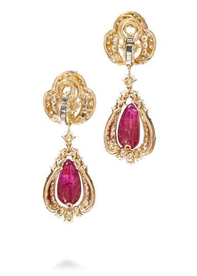 View 3. Thumbnail of Lot 738. Alexandre Reza | Pair of ruby and diamond pendent ear clips | Alexandre Reza | 紅寶石配鑽石耳墜一對.