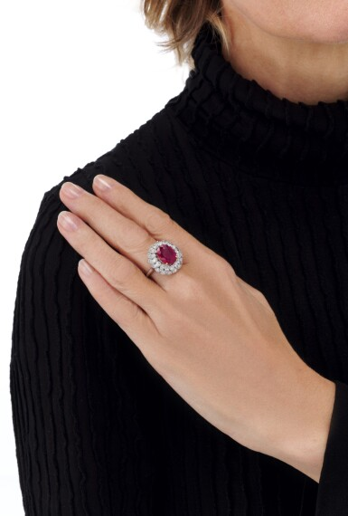 View 6. Thumbnail of Lot 663. Ruby and diamond ring | 紅寶石配鑽石戒指.
