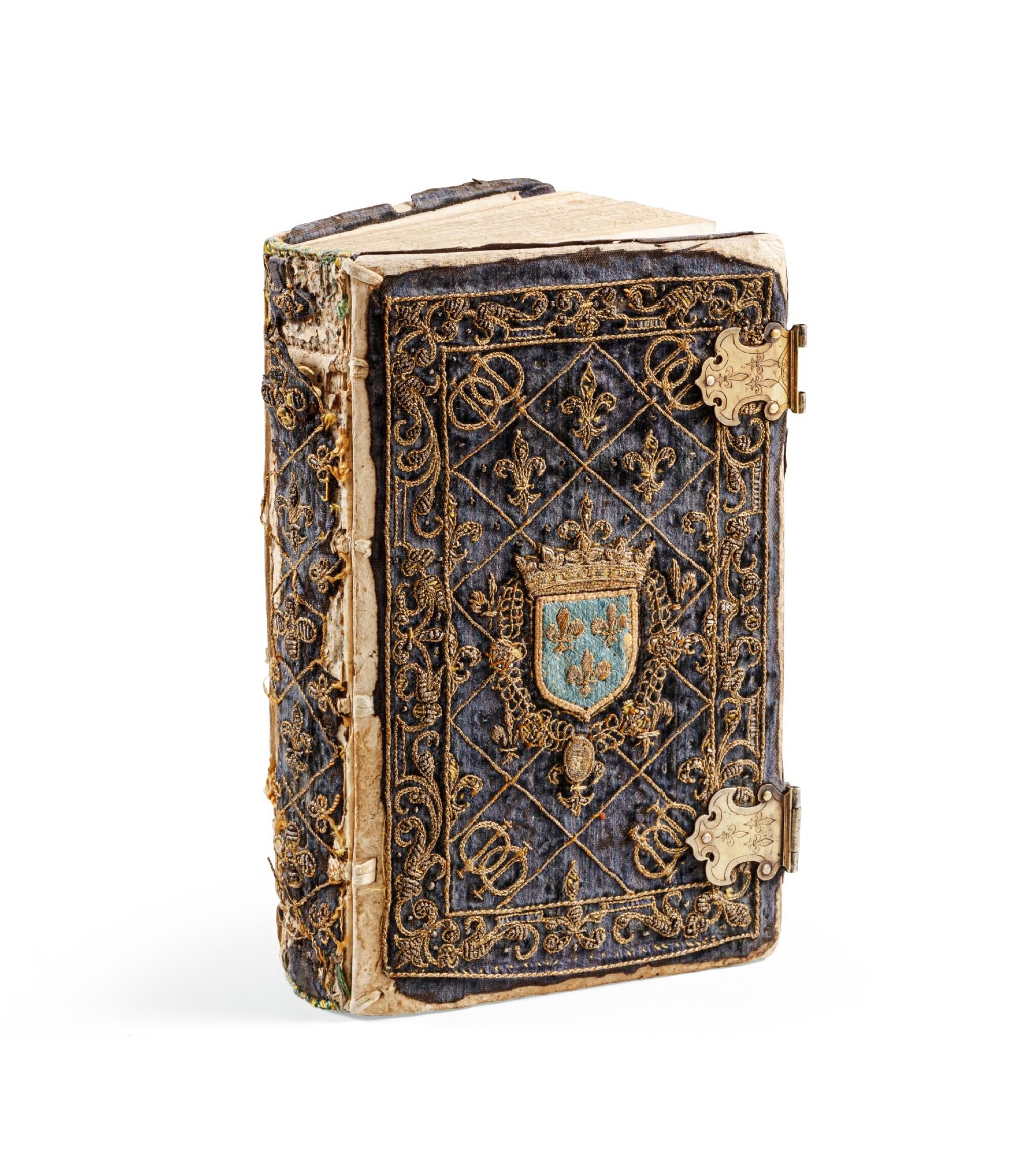 View full screen - View 1 of Lot 40.  Horae beatissimae... Anvers, 1570.Reliure brodée de la Renaissance aux armes du duc d'Anjou..