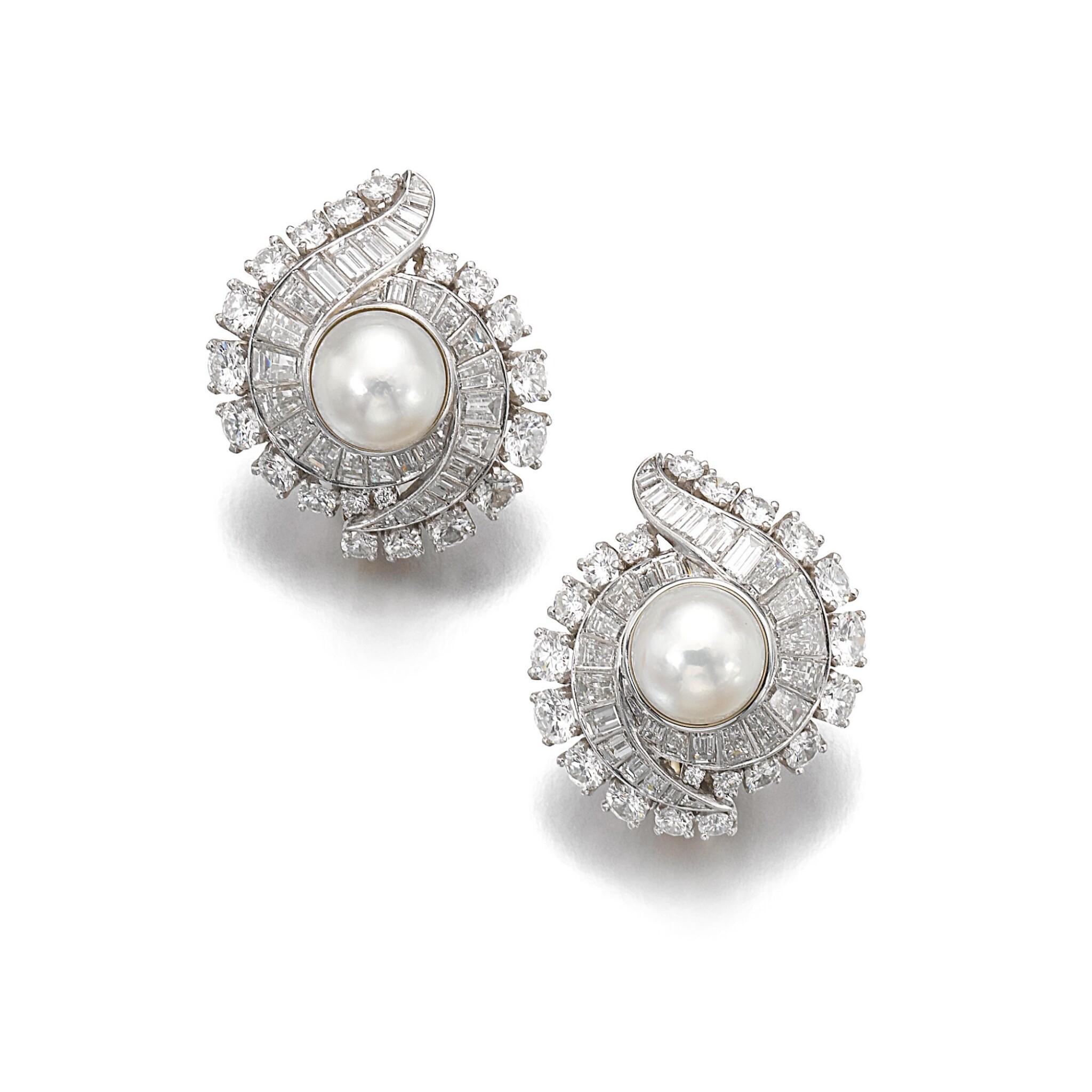 VAN CLEEF & ARPELS [ 梵克雅寶] | PAIR OF NATURAL PEARL AND DIAMOND EAR CLIPS, CIRCA 1960 [天然珍珠配鑽石耳環一對,約1960年]