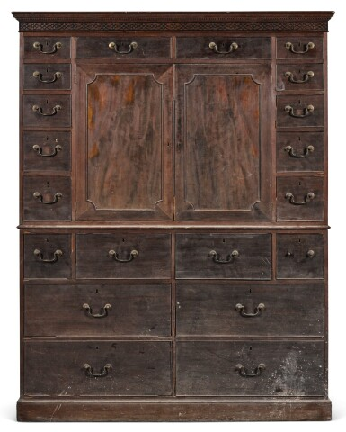 A GEORGE III MAHOGANY LINEN PRESS, CIRCA 1775, IN THE MANNER OF THOMAS CHIPPENDALE