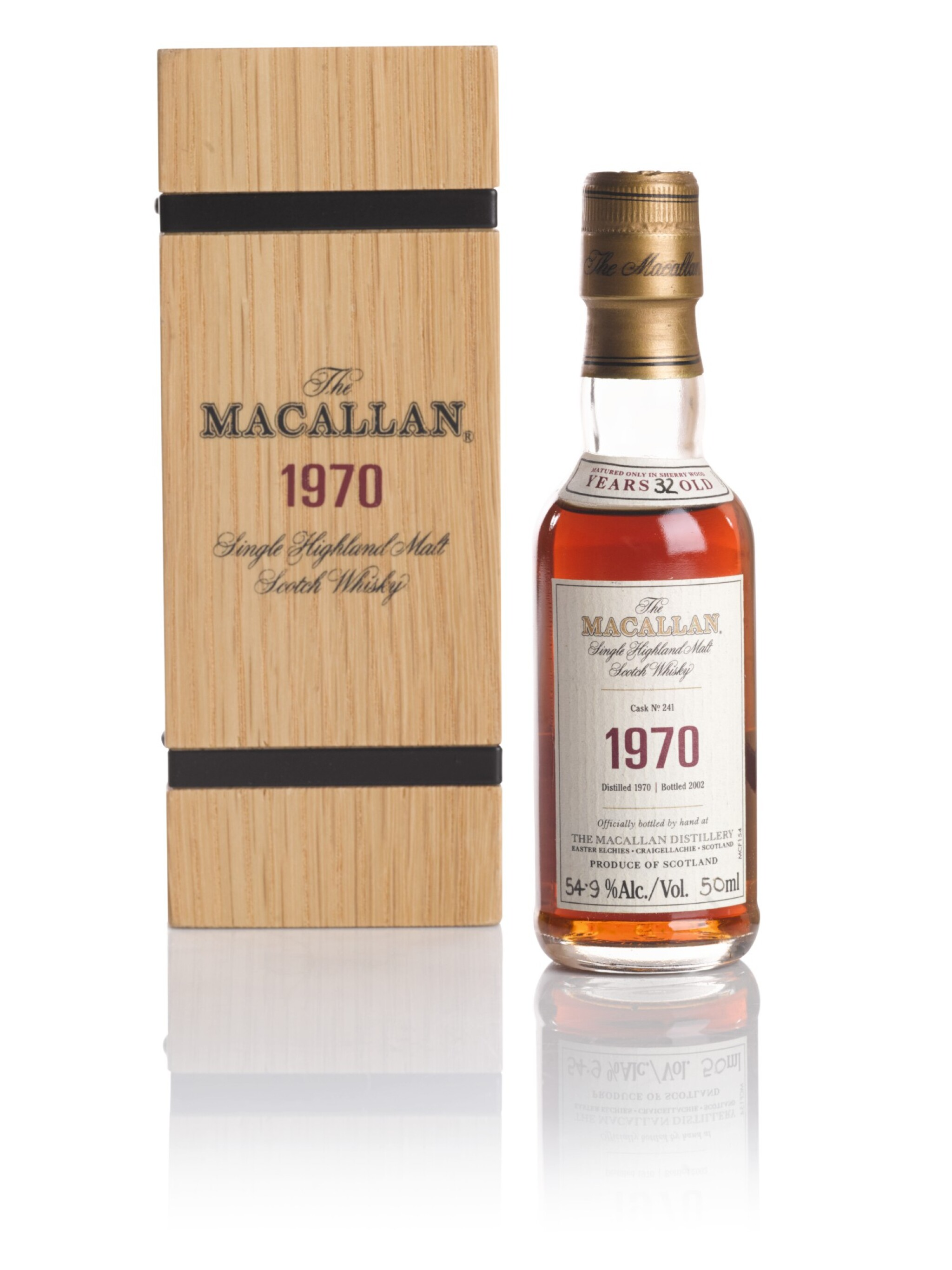 View full screen - View 1 of Lot 88. THE MACALLAN FINE & RARE 32 YEAR OLD 54.9 ABV 1970 .
