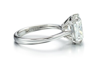 View 2. Thumbnail of Lot 9126. DIAMOND RING   5.01卡拉 古墊形 E色 VVS2淨度 鑚石 戒指.