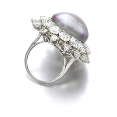 BULGARI [寶格麗] | NATURAL PEARL AND DIAMOND RING [天然珍珠配鑽石戒指]