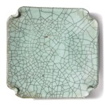 A GE-TYPE SQUARE DISH , 19TH / 20TH CENTURY