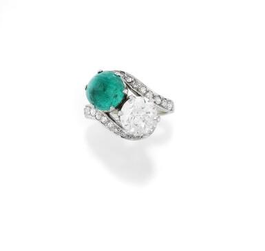 View 1. Thumbnail of Lot 53. BAGUE ÉMERAUDE ET DIAMANTS, VERS 1930 | EMERALD AND DIAMOND RING, 1930S.