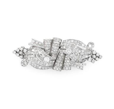 View 1. Thumbnail of Lot 28. Broche double-clip diamants | Diamond double clip-brooch.