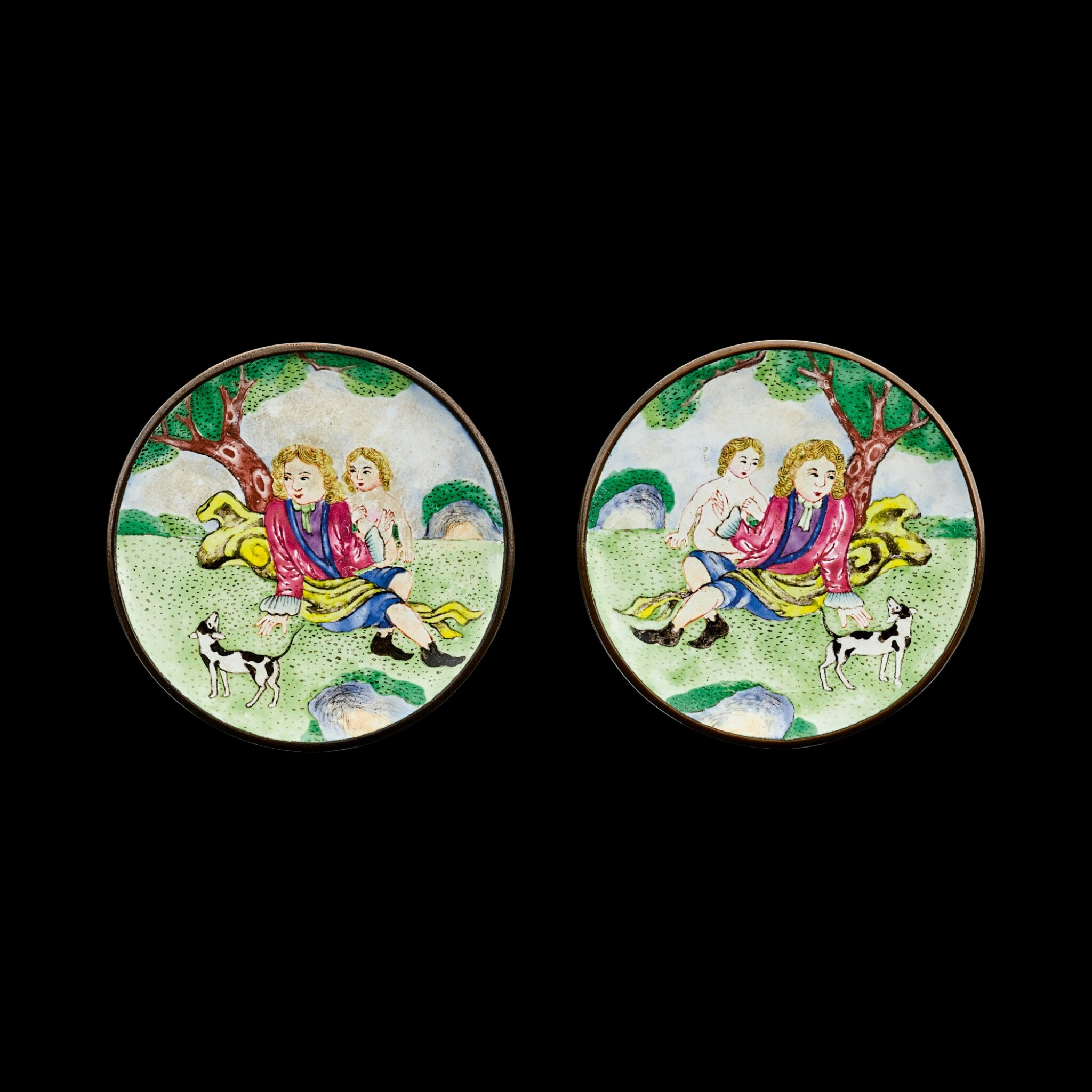 View full screen - View 1 of Lot 1027. A pair of Canton enamel 'European subject' snuff dishes Seal marks and period of Qianlong | 清乾隆 銅胎廣東畫琺瑯西洋人物圖鼻煙碟一對 《乾隆年製》款.