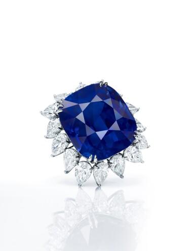 View 2. Thumbnail of Lot 1755. AN EXTRAORDINARY SAPPHIRE AND DIAMOND PENDANT | 超凡至尊 118.88卡拉 天然「緬甸皇家藍」未經加熱藍寶石 配 鑽石 掛墜.