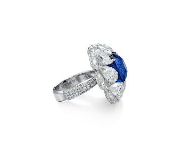 View 3. Thumbnail of Lot 1731. Sapphire and Diamond Ring   9.56克拉 天然「緬甸皇家藍」藍寶石 配 鑽石 戒指(鑽石共重約13.44克拉).