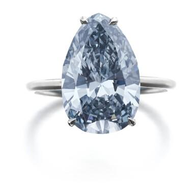 IMPORTANT FANCY GREY-BLUE DIAMOND RING