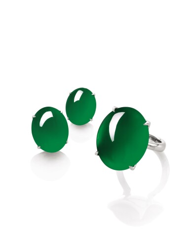 View 2. Thumbnail of Lot 1681. Pair of Imperial Green Jadeite Earrings | 天然「帝王綠」翡翠耳環一對.