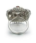 CONCH PEARL, ENAMEL AND DIAMOND RING | 海螺珠, 琺瑯彩 配 鑽石 戒指