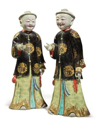 View 1. Thumbnail of Lot 446. A Rare Pair of Chinese Export 'Nodding Head' Figures, Qing Dynasty, Qianlong Period | 清乾隆  粉彩點頭式人物立像一對.