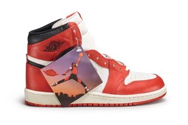 View 7. Thumbnail of Lot 9. Nike Air Jordan 1 High OG (1985) 'Chicago' | Size 9.