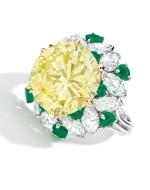 FANCY INTENSE YELLOW DIAMOND, DIAMOND AND EMERALD RING, VAN CLEEF & ARPELS | 濃彩黃色鑽石配鑽石及祖母綠戒指,梵克雅寶