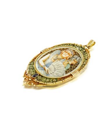 View 3. Thumbnail of Lot 30. Pendentif ivoire, écaille de tortue et diamants   Ivory, tortoiseshell and diamond pendant.