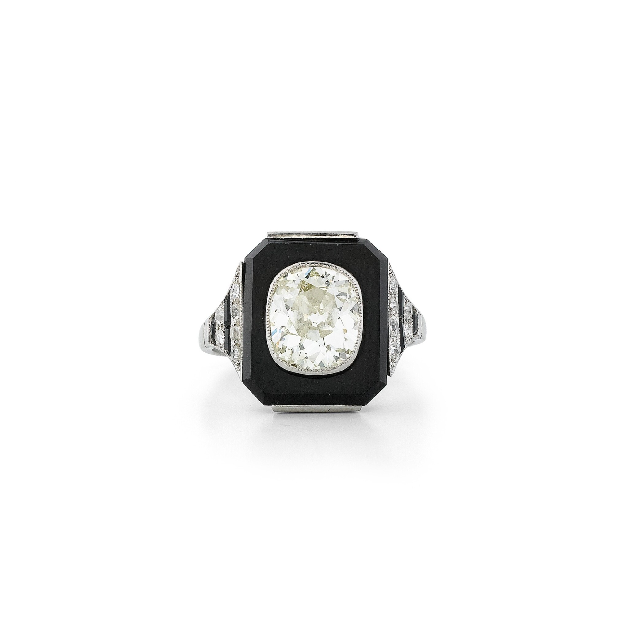View full screen - View 1 of Lot 20. Bague onyx et diamant | Onyx and diamond ring.