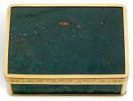 A GOLD-MOUNTED BLOODSTONE SNUFF BOX, JOSEF WOLFGANG SCHMIDT, VIENNA, CIRCA 1800