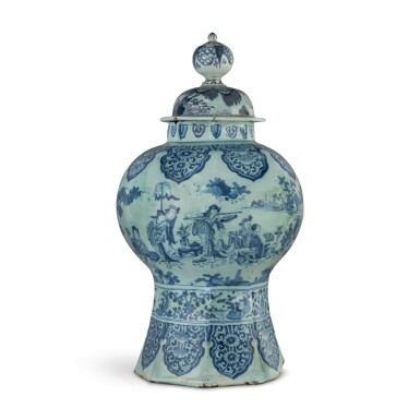 A DUTCH DELFT BLUE AND WHITE OCTAGONAL BALUSTER VASE AND COVER, LATE 17TH CENTURY
