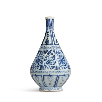 View 4. Thumbnail of Lot 93. A blue and white faceted pear-shaped vase, Yuan dynasty | 元 青花花卉紋八棱玉壺春瓶.