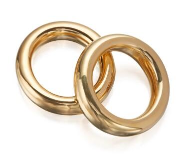 PAIR OF GOLD 'CIEMBELLA' BANGLE-BRACELETS, ELSA PERETTI FOR TIFFANY & CO.