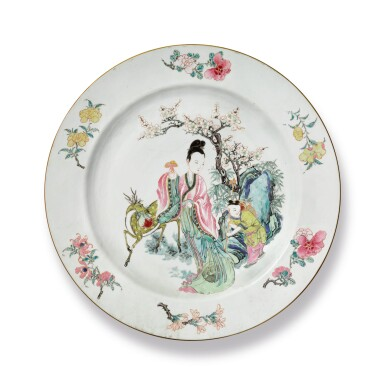 A LARGE CHINESE FAMILLE-ROSE 'MAGU' DISH QING DYNASTY, YONGZHENG PERIOD | 清雍正 粉彩麻姑獻壽圖大盤