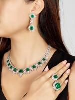 EMERALD AND DIAMOND PARURE   天然「哥倫比亞」無油祖母綠 配 鑽石 套裝 (祖母綠及鑽石共重47.85及71.09卡拉)