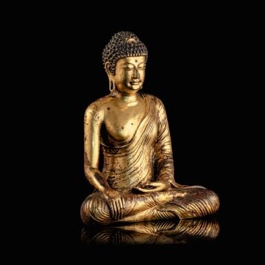View 4. Thumbnail of Lot 28. Exceptionnelle statue du Bouddha Maravijaya en alliage de cuivre doré Royaume de Dali (937-1253), Province de Yunnan, XIIE siècle | 大理國 十二世紀 鎏金銅合金釋迦牟尼佛坐像 | An exceptional gilt-copper alloy figure of Buddha Maravijaya, Dali Kingdom (937-1253), Yunnan Province, 12th century .