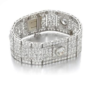 View 2. Thumbnail of Lot 602. Diamond bracelet, 1930s   鑽石手鏈, 1930年代.